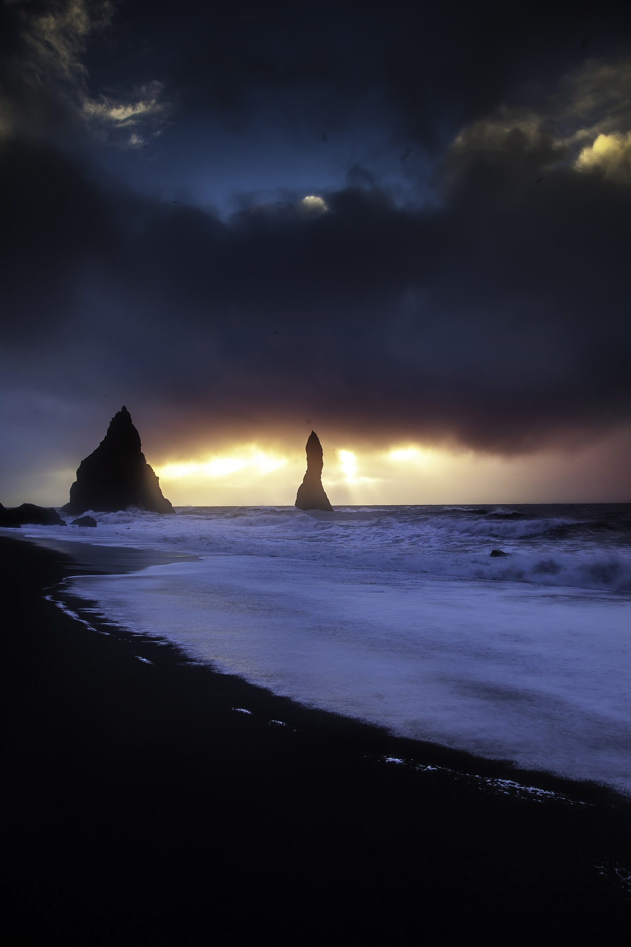 Reynisfjara location in iceland and best time to photograph