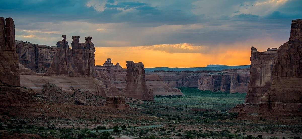 best photography locations in arches national park, court house towers